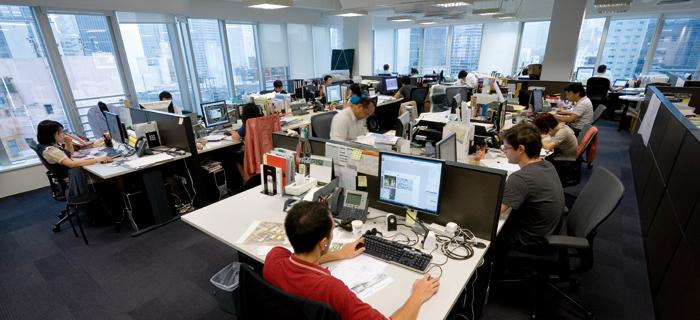 Travailleurs en bureau